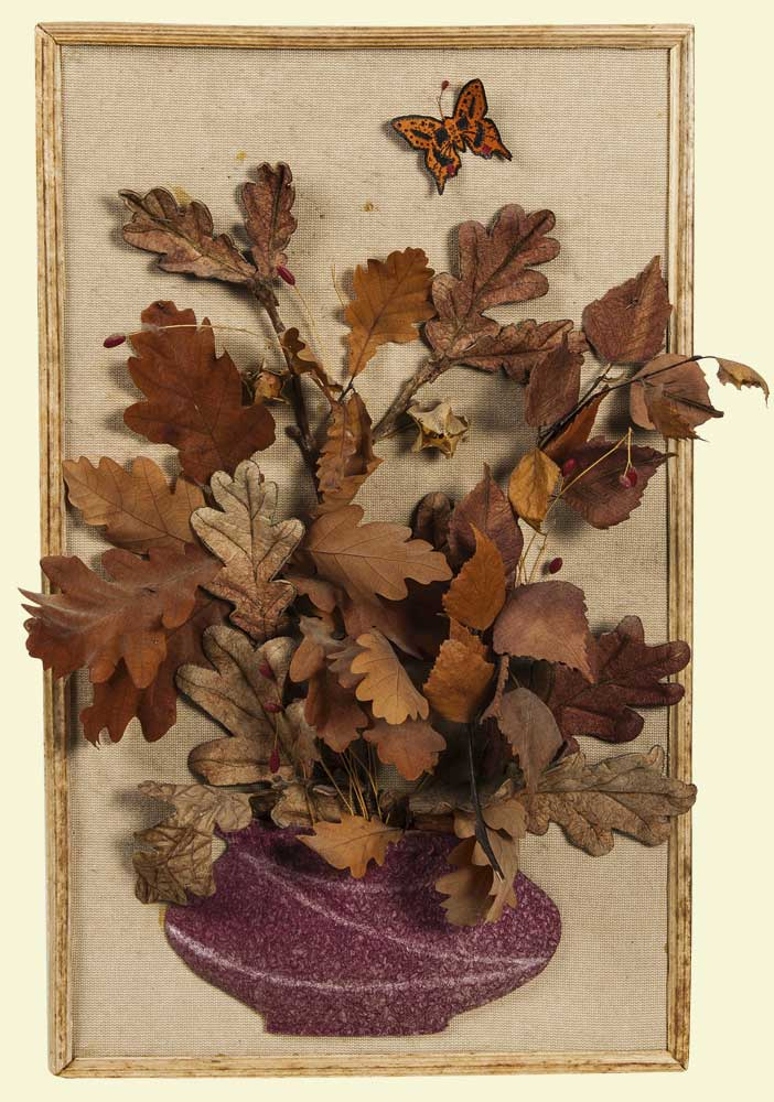 Панно из листьев цветов